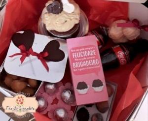 compras coletivas com desconto em festa na caixa completa personalizada para o dia dos namorados na flor do chocolates desconto no barato de fortaleza