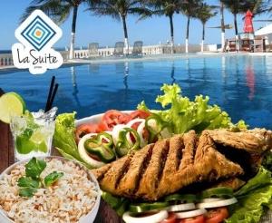 compras coletivas oferta com desconto em almoço ou jantar de peixe frito tainha file na chapa peixada de frente para o mar no la suite praia barato de fortaleza